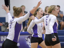 Hartington-Newcastle turns back Wynot in five sets